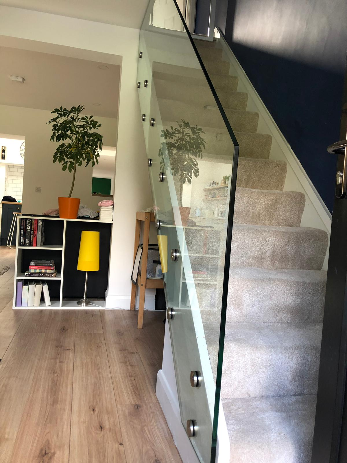 Glass-Stairs-with-Point-Fixings