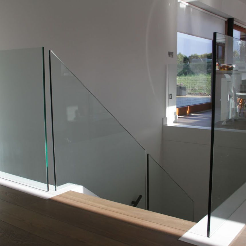glass stairs, glass with no posts, frameless glass, home improvement, modern design, toughened glass